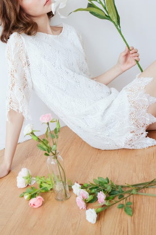 FULLY LACE SHIFT DRESS IN WHITE