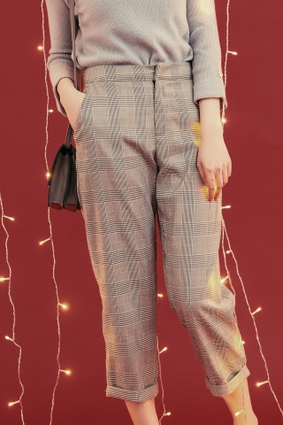 CHECKED ANKLE TROUSERS