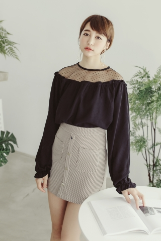 MESH DOTTED BLOUSE IN BLACK
