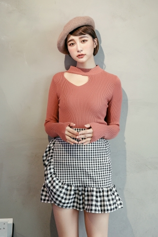 ASYMMETRICAL KNITTED TOP IN BROWN