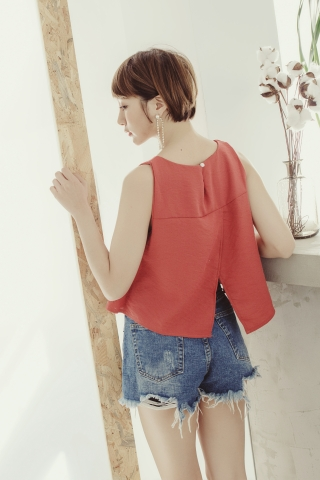 FLARE BASIC TOP IN BRICK RED