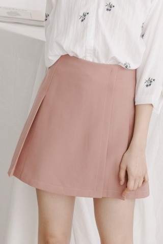 BOX PLEAT SKIRT IN BLUSH