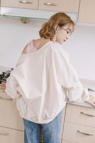 DARLING BOMBER JACKET IN CREAMY WHITE