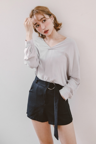 MERCI D-RING BELTED SHORTS IN BLACK