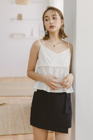 VELY CREPE CAMISOLE TOP IN WHITE