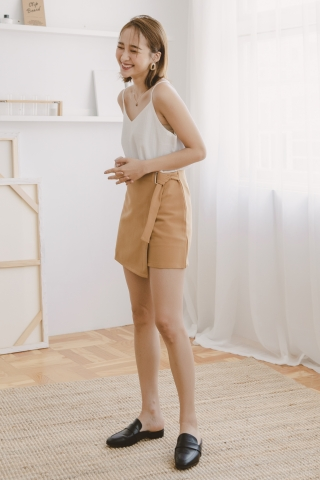 VELY OVERLAP SKIRT PANTS IN BROWN