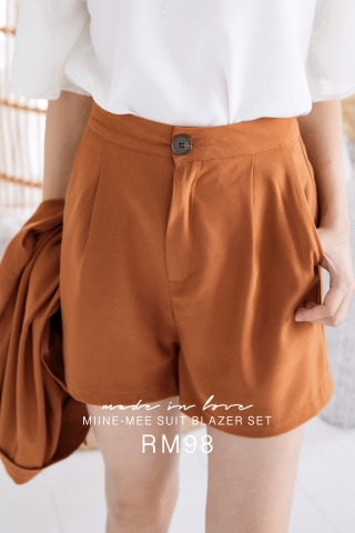 MIINE-MEE DOUBLE POCKETS SHORTS IN BROWN