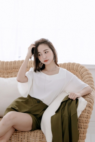 MIINE-MEE BASIC FLARE TOP IN WHITE