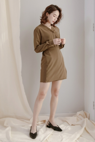 LES WRAP BUTTON DOWN DRESS IN OLIVE