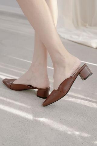 365 DAYS MINI SQUARE TOE BLOCK SLIP-ON HEELS IN BROWN