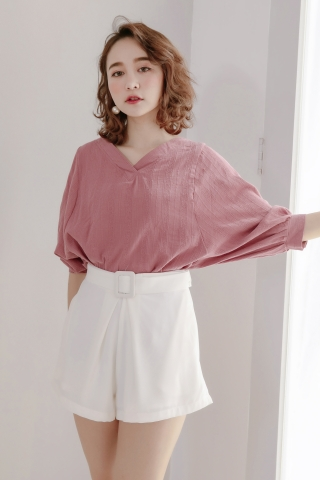 DAILY BASIC TEXTURED BLOUSE IN HONEY ROSE