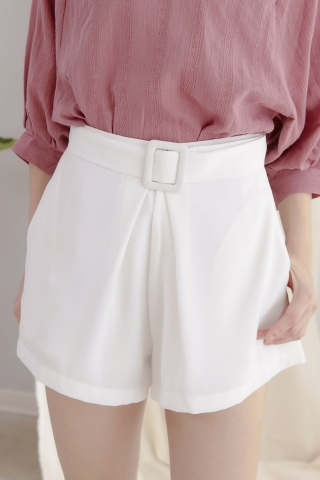 DAILY BELTED TAILORED SHORTS IN WHITE