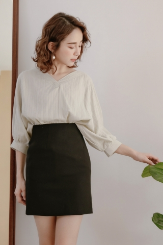 DAILY BASIC TEXTURED BLOUSE IN TEA GREEN