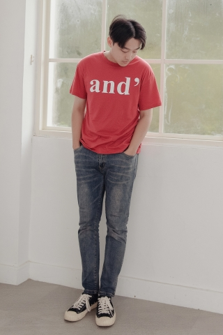 AND' SLOGAN UNISEX T-SHIRT IN HONEY RED