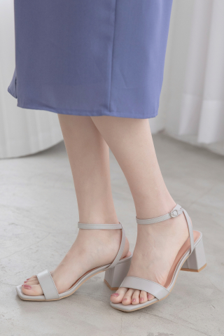 365 DAYS STRAPPY HEELS IN GREY