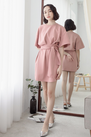 (BACKORDER) 22DAYS SELF TIE COTTON DRESS IN PINK