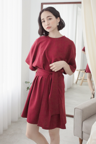 (BACKORDER) 22DAYS SELF TIE COTTON DRESS IN MAROON