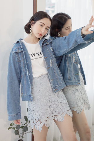 LES DISTRESSED DENIM JACKET