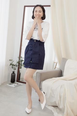 22DAYS BUTTON SKIRT IN NAVY BLUE