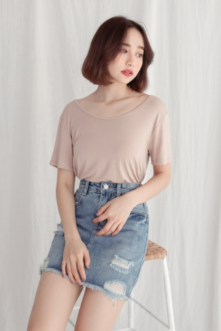 SUNDAY CROSSOVER-BACK SOFT TEE IN NUDE