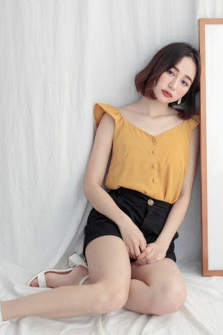 SUNDAY RUFFLE STRAP TOP IN YELLOW