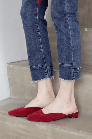 365 DAYS SQUARE TOE MULES IN RED