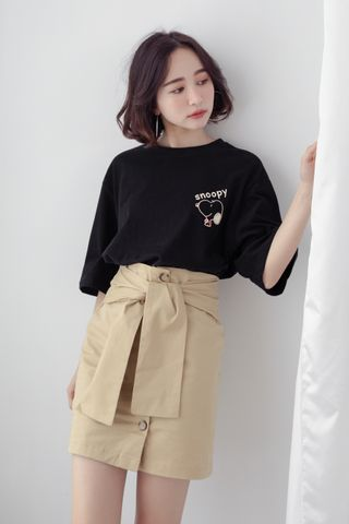 SNOOPY OVERSIZED TEE IN BLACK