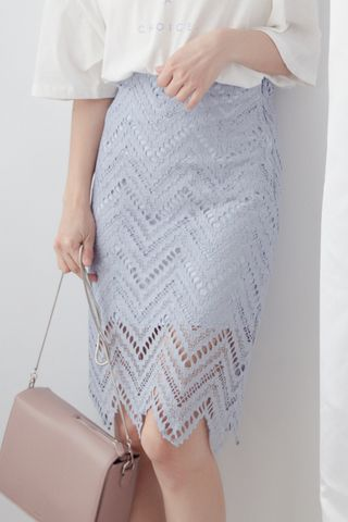 MY DAY WAVE LACE SKIRT IN BABY BLUE