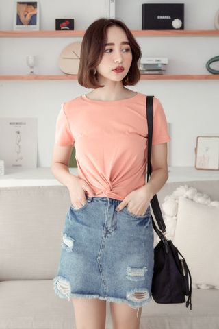 A LITTLE DAY TWIST-FRONT TEE IN PEACH