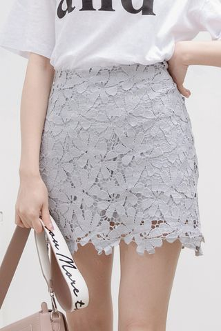 (BACKORDER) FLORAL LACE SKIRT