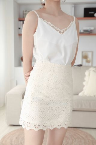 EVERYDAY EYELET SKIRT IN CREAM