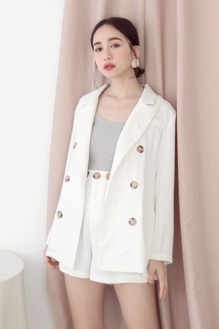 EVERYDAY BLAZER IN WHITE