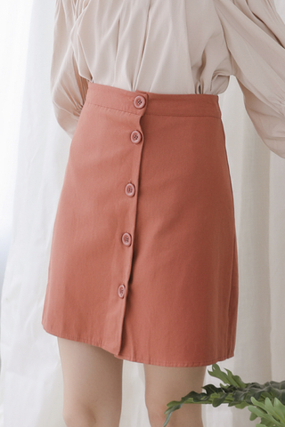 PEANUT DAY BUTTON SKIRT IN BRICK