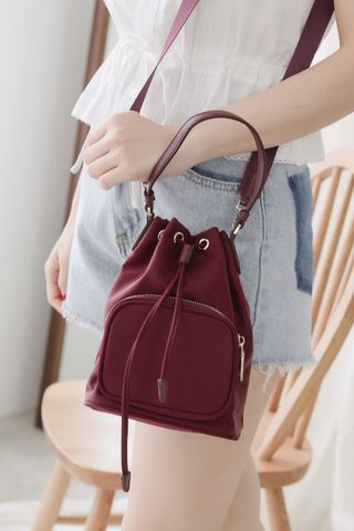 365 DAYS A' MINI BUCKET BAG IN WINE