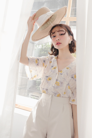 (BACKORDER) PEANUT DAY KOREA FLORAL V-NECK TOP