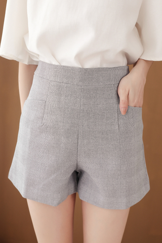 OPS A DAY DOUBLE POCKET SHORTS IN GREY