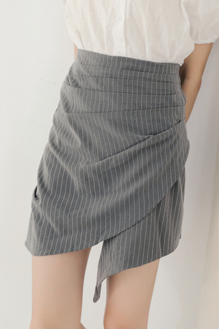 BUTTER DAY -5KG STRIPE ASYMMETRICAL SKIRT IN GREY