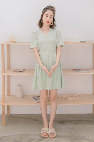 JU ; BASIC BUTTON DRESS IN AVOCADO