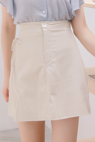 HONEY YU SELF TIE SKIRT IN CREAMY