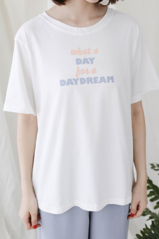 "ALL DAY ' DAY DREAM "" SLOGAN TEE IN WHITE"