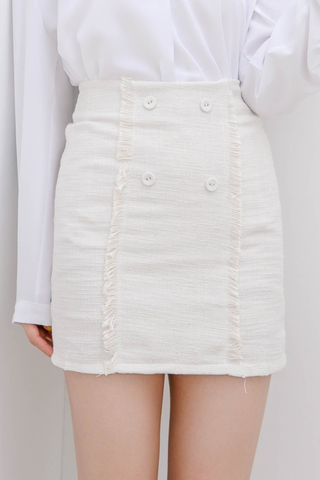 ALL DAY FRAYED TRIM PLAID TWEED SKIRT IN CREAMY WHITE