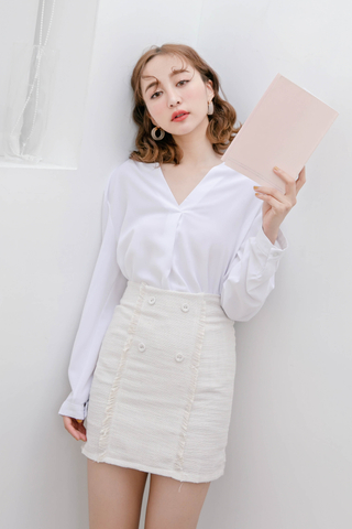 QUILA DE KOREA ARIME MADE BLOUSE IN WHITE