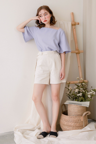 PEANUT DAY BASIC FLARE TOP IN BABY BLUE