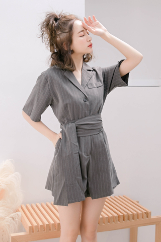KISSES DAY KOREA STRIPE OL ROMPER
