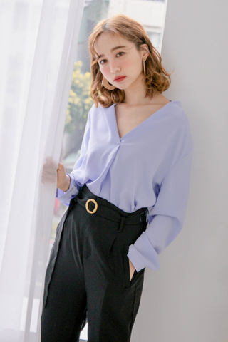 (BACKORDER) QUILA DE KOREA ARIME MADE BLOUSE IN BABY BLUE