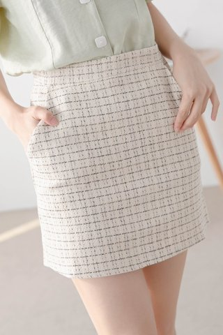 BUT LOVE PLAID TWEED DOUBLE POCKET SKIRT IN CREAMY