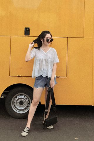 (BACKORDER) LE FOUR EYELET BABY DOLL TOP IN WHITE