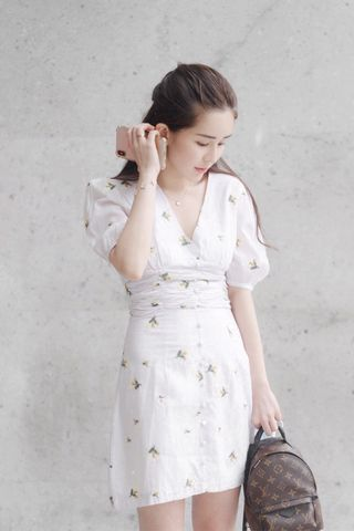 JU DAYS A'MADE KOREA WITH FLORAL EMBROIDERY DRESS IN CREAMY