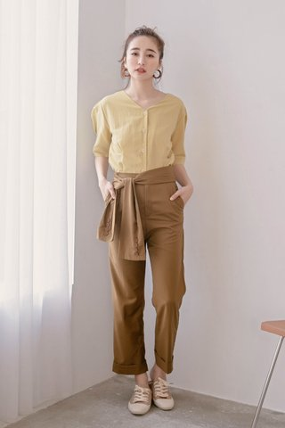 MANY MORE KR BELTED TAILORED PANTS IN OLIVE