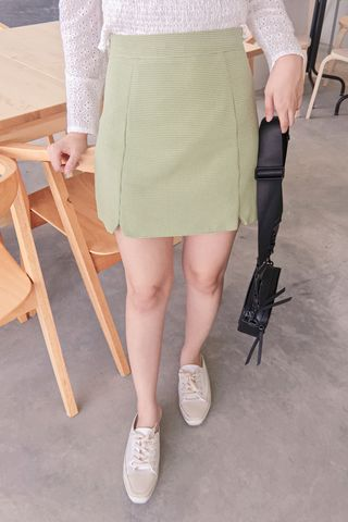MERCI KR CHECKED SKIRT IN GREEN (NG SALES)